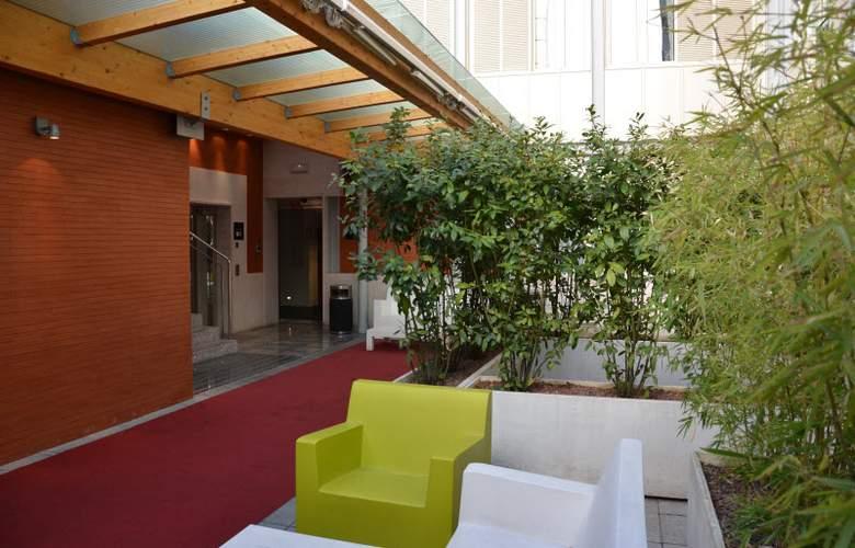 Boutique Gareus - Terrace - 29