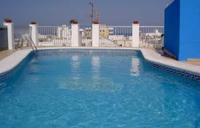 Orvay - Pool - 2