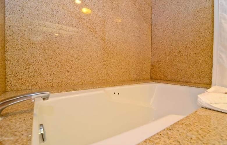 Best Western Newport Mesa Hotel - Room - 104