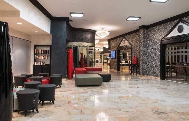 Salles Malaga Centro - General - 11