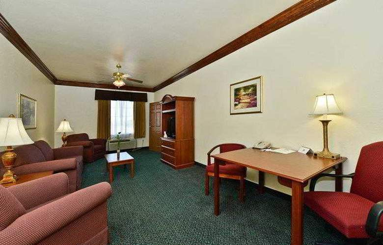Best Western Fort Worth Inn & Suites - Hotel - 39