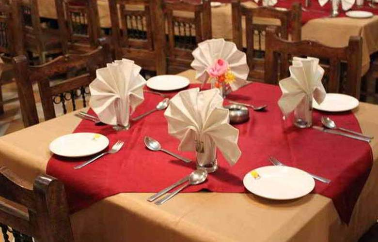 Jaisal Garh Hotel (The Jewel of Jaisalmer) - Restaurant - 4