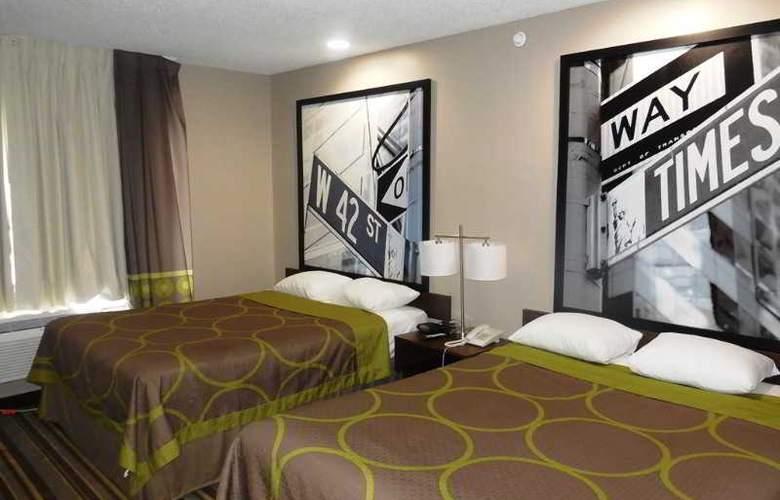 Super 8 Jamaica North Conduit Avenue - Room - 11