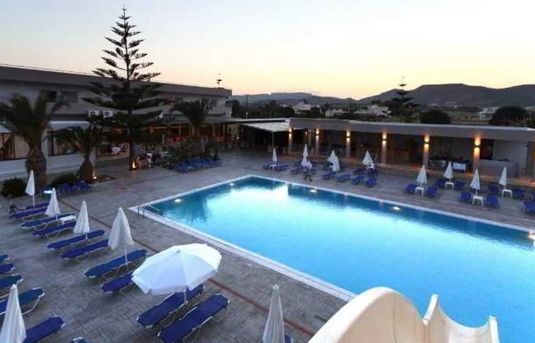 Asteras Resort - Pool - 11