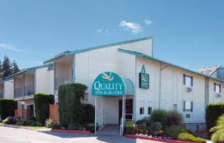 Quality Inn and Suites - General - 2