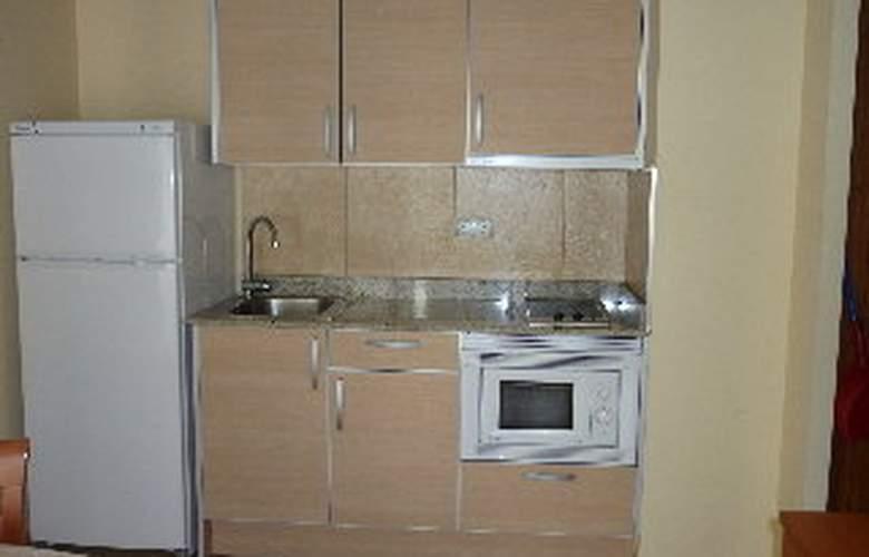 Iceberg Aparthotel - Room - 2