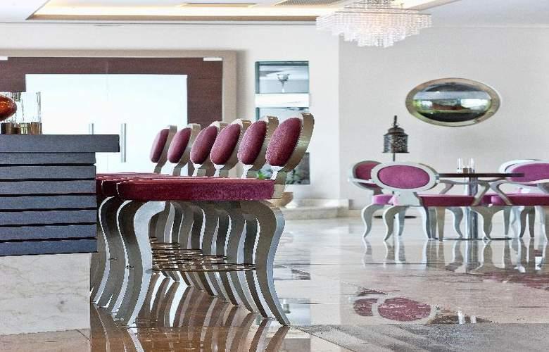 Lesante Hotel & Spa - Bar - 29