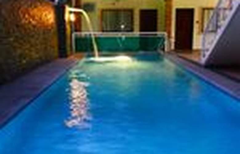 Casa Mila Inn - Pool - 10