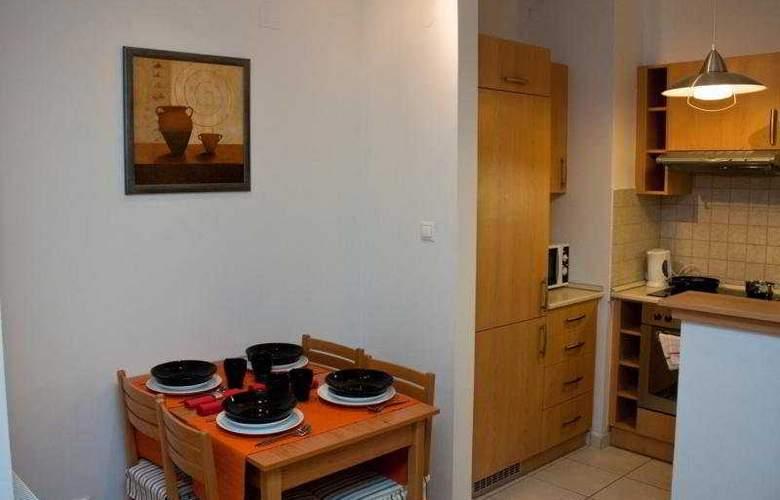 Far Home Apartments - Room - 6