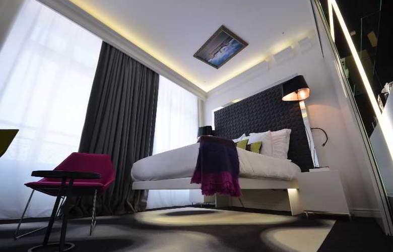 Vertigo - Room - 8
