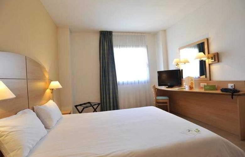Campanile Madrid Alcala de Henares - Room - 4