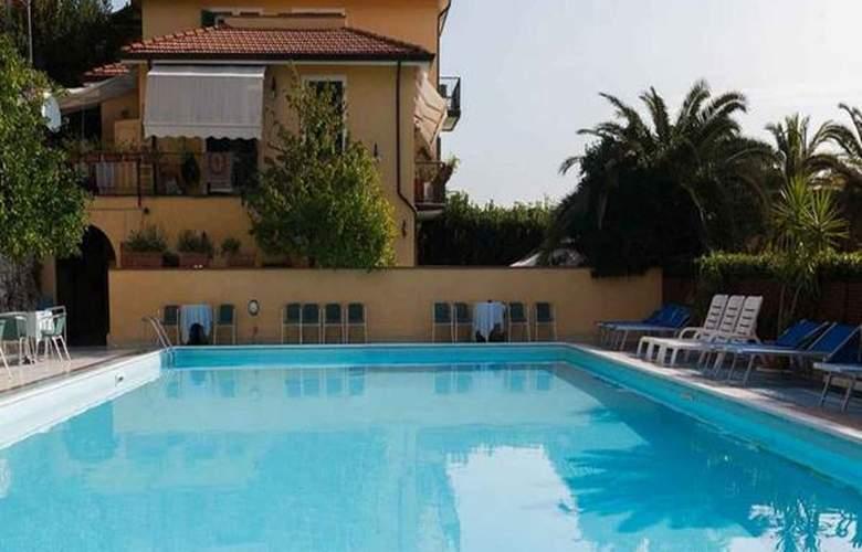 Della Baia - Hotel - 4