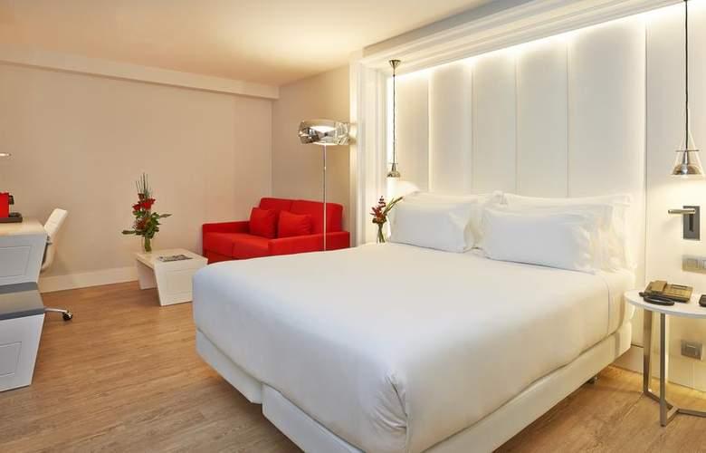 NH Collection Barcelona Gran Hotel Calderón - Room - 9
