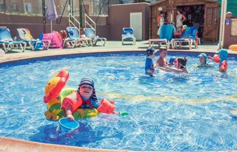 Azuline Coral Beach - Pool - 18