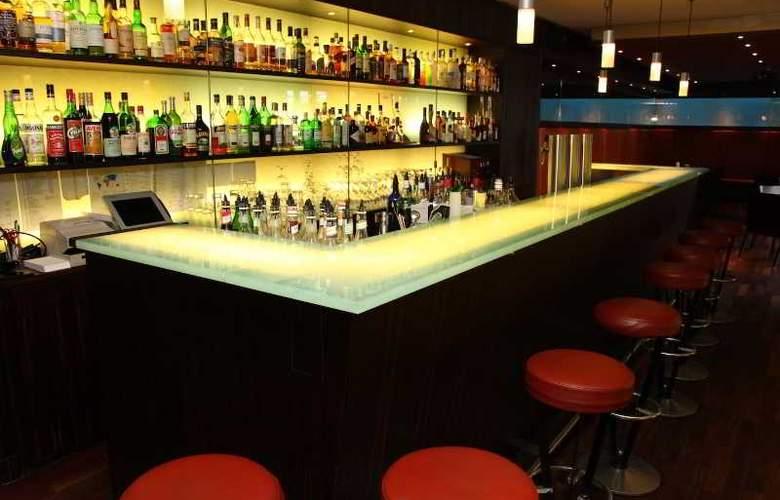 Gude - Bar - 10