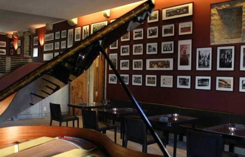 Hotel Casa Melo Alvim - Bar - 9