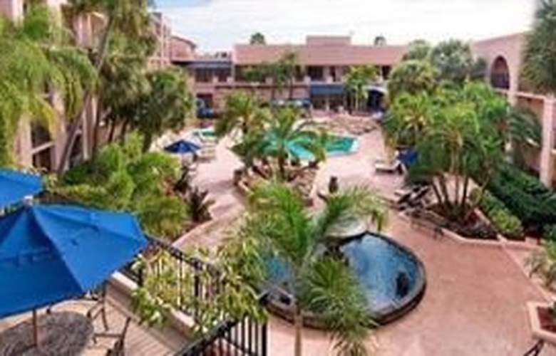 Wyndham Garden Hotel - Pool - 6