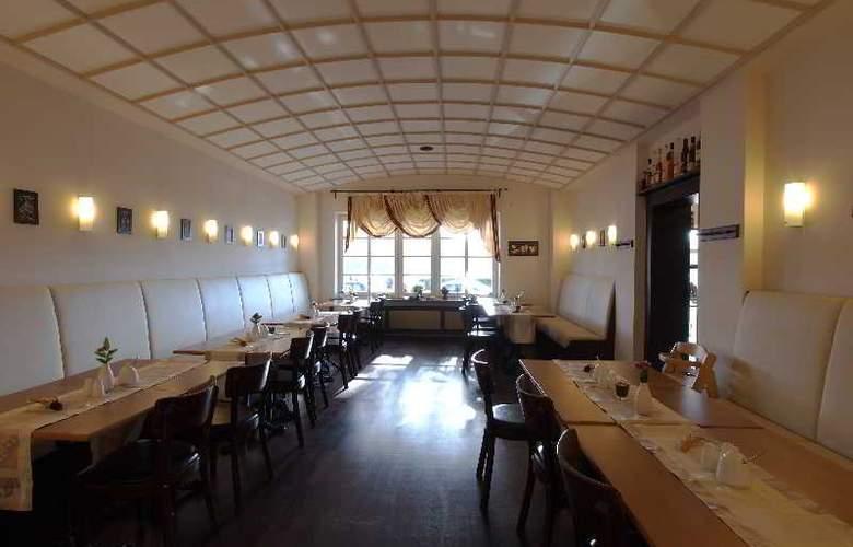Am Schloss Biebrich - Restaurant - 3
