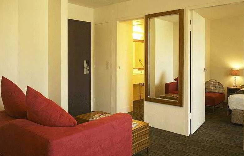 Cambridge - Room - 2