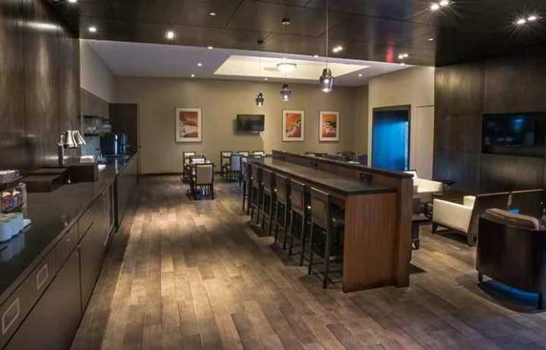 Hilton Suites Toronto Markham - Hotel - 11