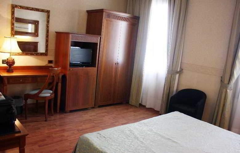 Duca d'Aosta - Room - 11