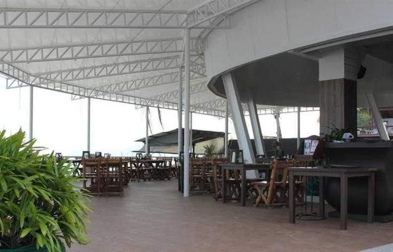 Al's Resort - Restaurant - 12