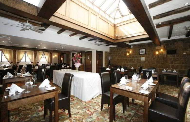 The Legacy Falcon - Restaurant - 6