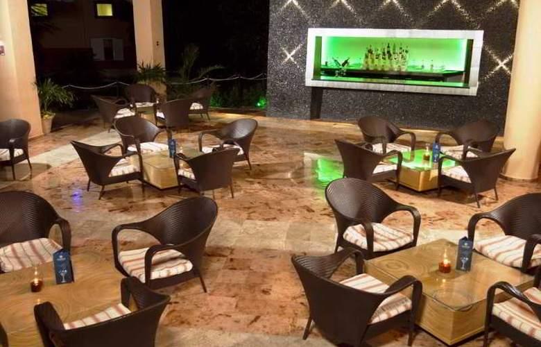 Sandos Caracol Eco Resort & Spa - Bar - 26