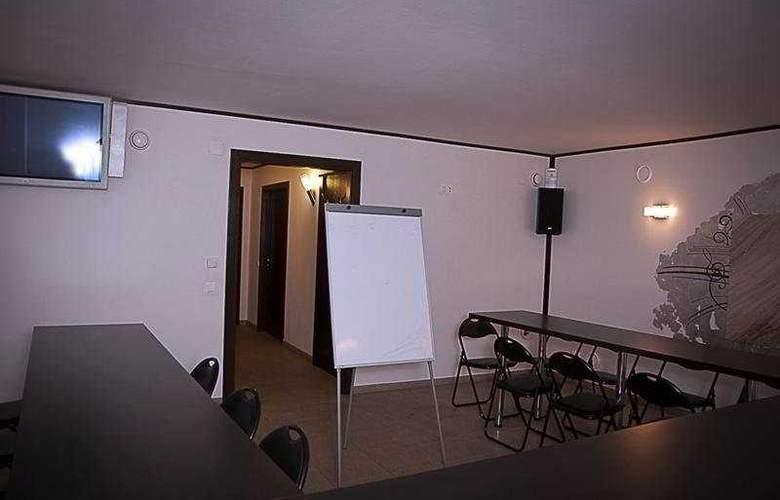 Levoslav House - Conference - 7
