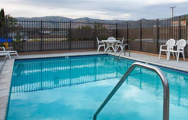 Best Western Mountain Inn - Pool - 25