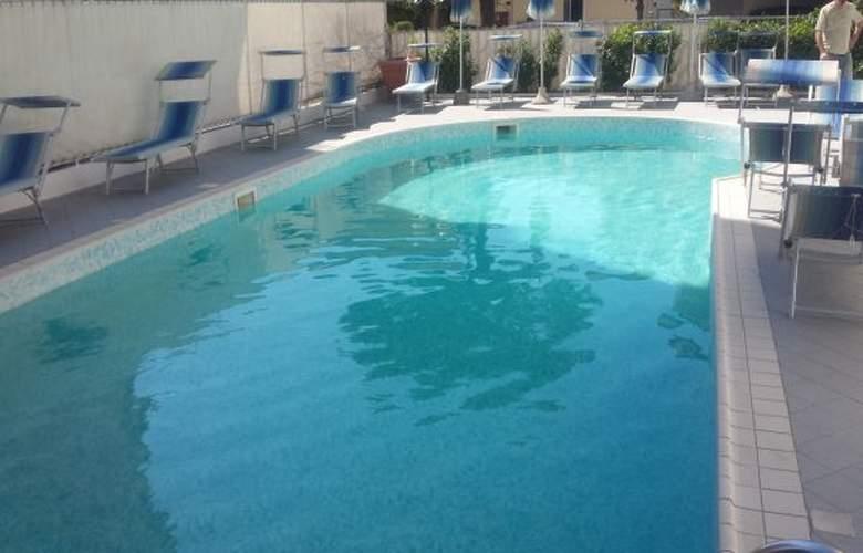 Orizzonti - Pool - 4
