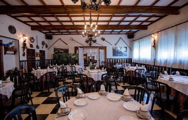Los Perales - Restaurant - 18