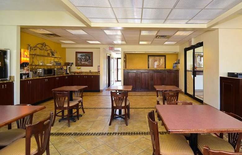 Best Western Royal Inn - Restaurant - 37