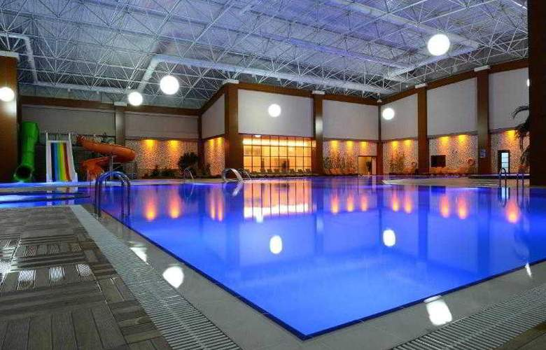 Grand Ozgul Thermal Holiday Village - Pool - 11