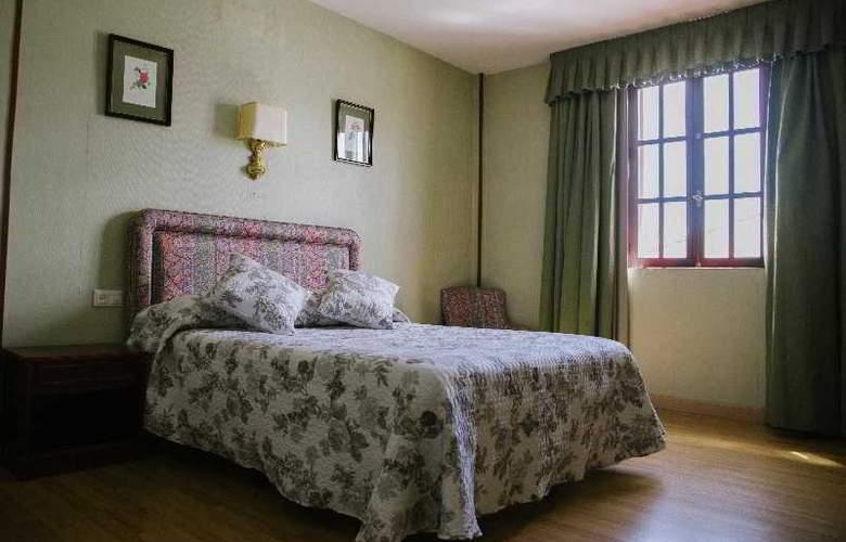 Sierra Aracena - Room - 27