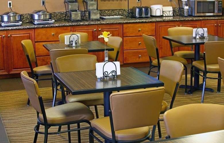 Best Western Plus Innsuites Phoenix Hotel & Suites - Restaurant - 85