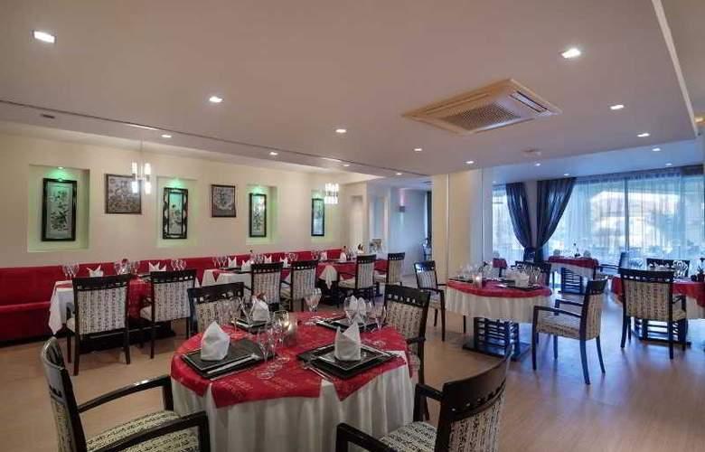 Hotel Bellis - Restaurant - 32