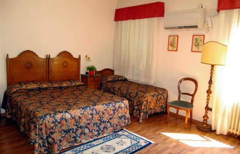 Piccolo - Room - 1