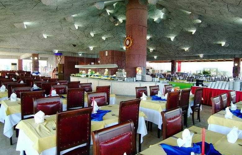 Sailor's Beach Club - Restaurant - 7