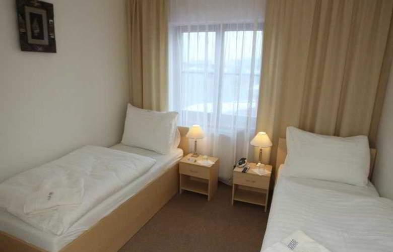 Hotel Cyro - Room - 3