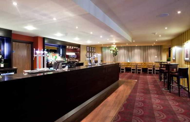 Hallmark Hotel Hull - Bar - 12