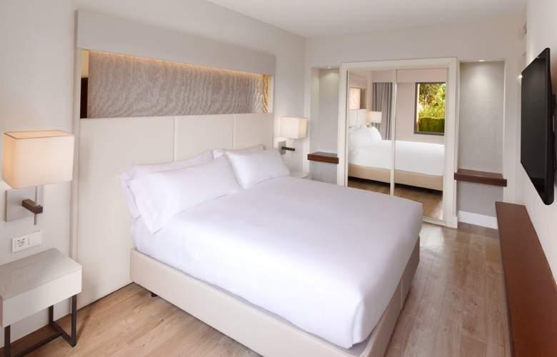 DoubleTree by Hilton Islantilla Beach Golf Resort - Room - 12