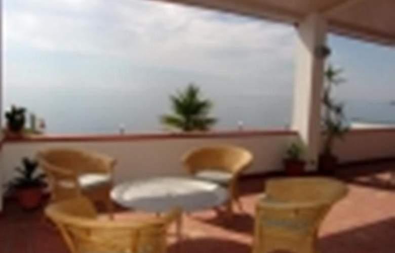 Park Hotel Silemi - Terrace - 4