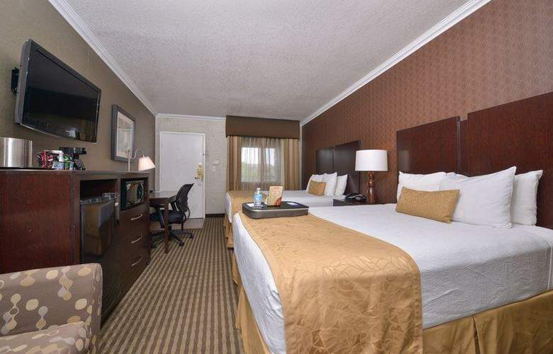 Best Western Plus Innsuites Phoenix Hotel & Suites - Room - 26