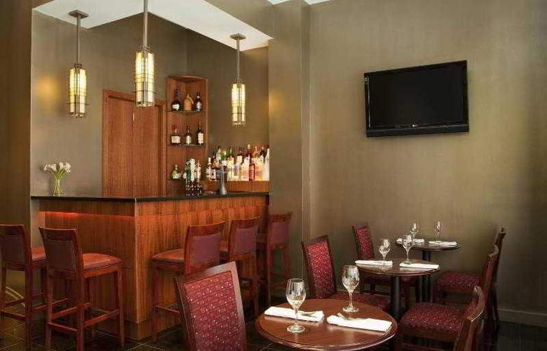 Four Points by Sheraton Midtown Times Square - Bar - 14