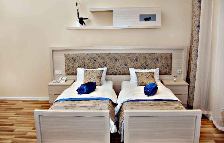 Bristol Hotel Baku - Room - 7