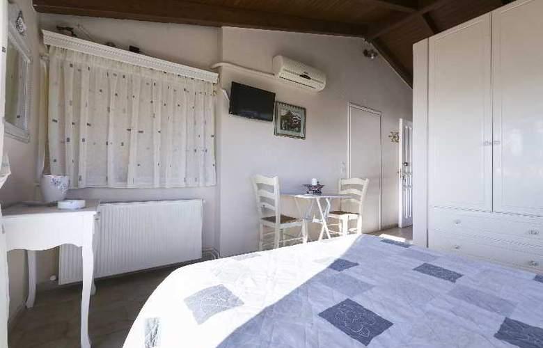 Panorama Fanari Studios & Apartments - Hotel - 4