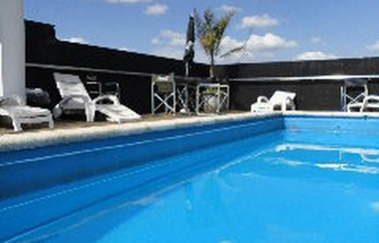 King David Flat Hotel - Pool - 4