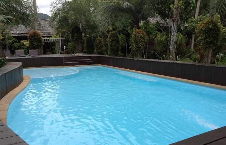 Baan Habeebee Resort - Pool - 11
