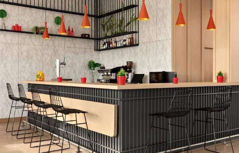 Ramada by Wyndham Madrid Getafe - Bar - 2